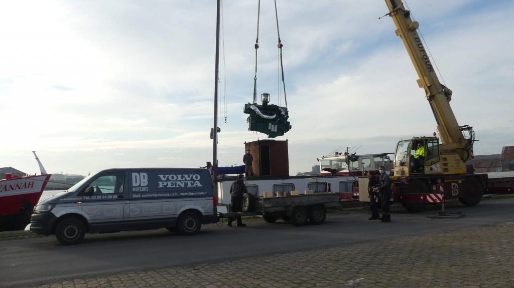 Remotorisation du bateau kananga